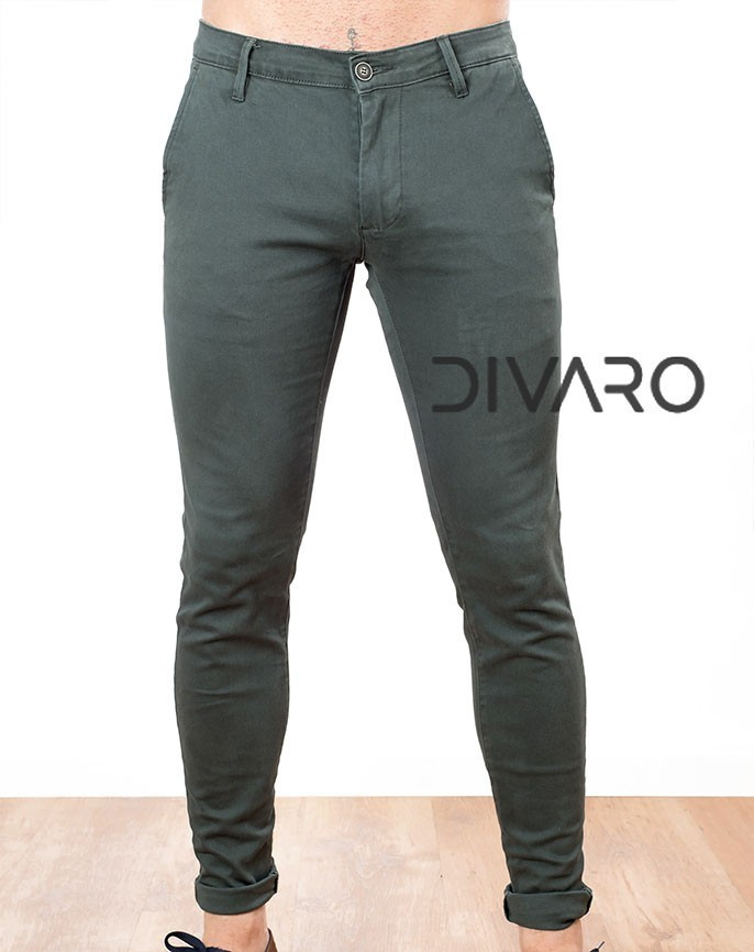 f4fa5420d9 ... PANTALÓN CHINO DIVARO SKINNY FIT COLOR VERDE BOTELLA. Previous